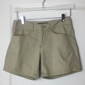 "Short 9"" inseam with 5-pockets"